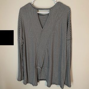 143 Story-Boutique Black & White Striped Tunic/Top